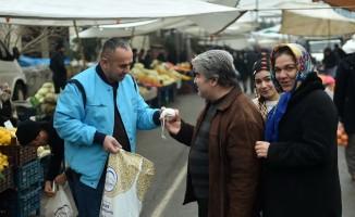 Dulkadiroğlu Belediyesi alışveriş torbası dağıttı
