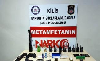 El bombası telsiz, silah ile uyuşturucu madde ele geçirildi