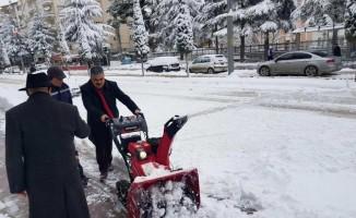 Ereğli'de karla mücadele çalışmalarına devam ediyor