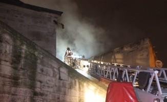 Fatih'te çıkan yangında 1 kişi hayatını kaybetti