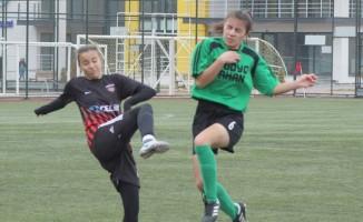 Genç ve Yıldız Kız futbol turnuvaları başlıyor