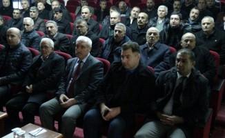Gercüş'te muhtarlara uyuşturucuyla mücadele konferansı verildi