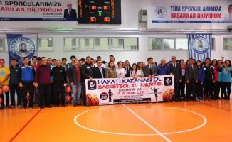 'Hayatı Kazanan Ol' turnuvası ödülle taçlandı