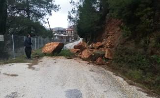 Heyelandan kapanan Uşakpınar yolu açıldı