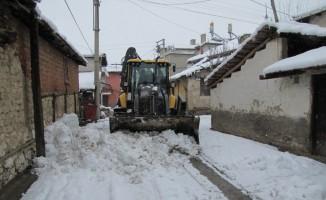 Hisarcık Belediyesi'nden kar temizleme çalışması