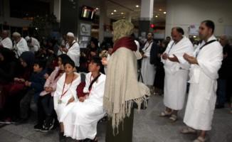 İl Müftülüğü öğrenci, öğretmen ve velileri Umre'ye gönderdi