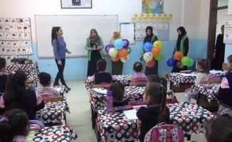 """""""İyilikte Yarışan Sınıflar"""" projesi öğrencilere tanıtıldı"""