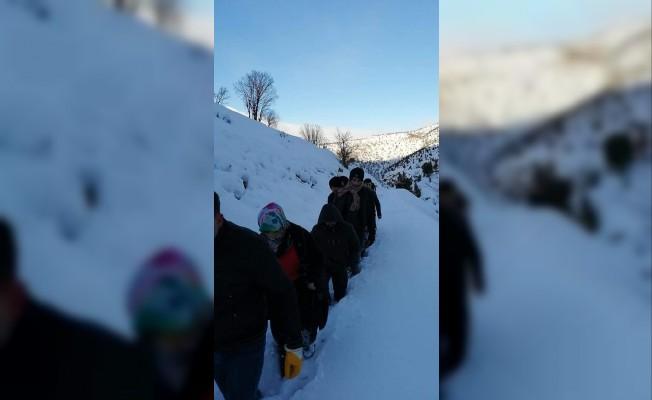 Kahramanmaraş'ta çığın altında kalan 1 kişinin bulunması içi çalışmalar sürüyor