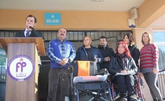 Kapak toplayarak tekerlekli sandalye aldılar