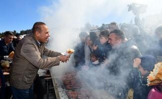 Kar Şenliği'nde 10 bin kişiye mangalda sucuk ikram edilecek