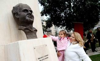 Karşıyaka'da Uğur Mumcu anılıyor