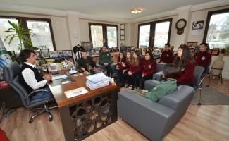 Kat Hizmetleri öğrencilerinden Başkan Demirağ'a ziyaret