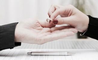 Kocasının düğününü arkadaşından duydu, boşanmaktan vazgeçti