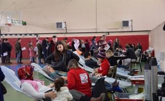 Lapseki'de Öykü Arin için kan bağışı kampanyası gerçekleştirildi