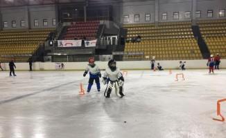 Minik buz hokeyciler, Türkiye Şampiyonasına iddialı hazırlanıyor