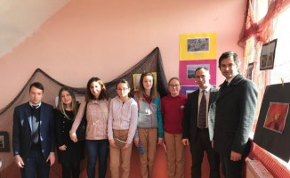 Öğrencilerden 'Naylon Poşet Out, Bez Torba İn' sergisi