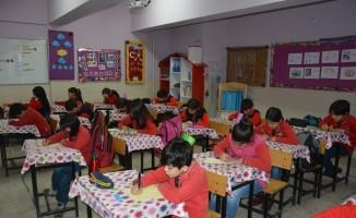 Öğrencilerden sınırdaki Mehmetçiğe mektup