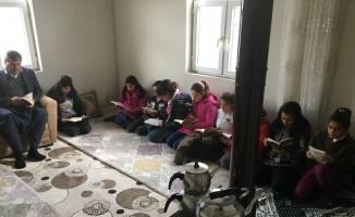 Öğrencilere kitap okuma alışkanlığı kazandırılıyor