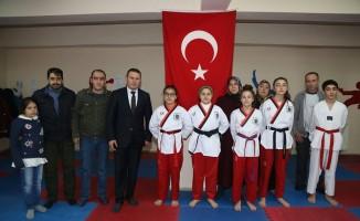 Oltulu tekvandocular Erzurum'dan 5 madalya çıkardı