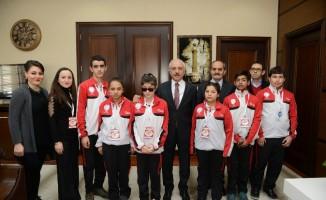 Özel öğrencilerden Başkan Gül'e ziyaret