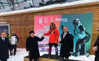 Özel sporcular Palandöken'de yarıştı