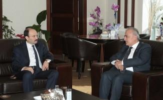 Rektör Çomaklı'dan, ETÜ Rektörü Prof. Dr. Bülent Çakmak'a hayırlı olsun ziyareti