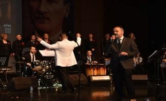 Roman orkestrası çaldı, Başkan Aktaş söyledi