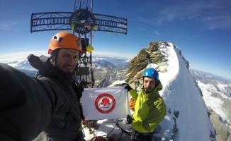 SDÜ Flaması, İsviçre Alpleri'nde dalgalandı