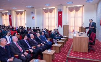"""Şeyh Edebali Üniversitesi'nde """"Meslek ve Ahlak"""" konulu konferans verildi"""