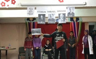 Şuhut'ta öğrencilere ''Bilimi Yaşıyorum'' tiyatro etkinliği düzenlendi