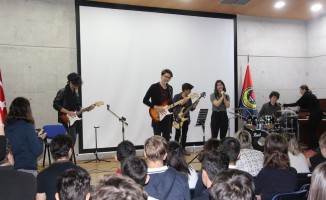 TED öğrencileri konser geliriyle okulu boyadı