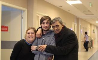 Üniversite öğrencisi eğitimini dondurdu, babasına can verdi