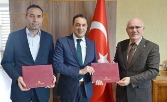 """Uşak'ta """"Sosyal ve Bilimsel İşbirliği"""" protokolü imzalandı"""