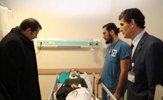 Vali Ayhan'dan otobüs kazasındaki yaralılara ziyaret
