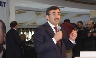 Van'da AK Parti Aday Tanıtım Toplantısı