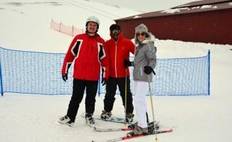 Vatandaşlardan Çambaşı Kayak Merkezi'ne büyük ilgi