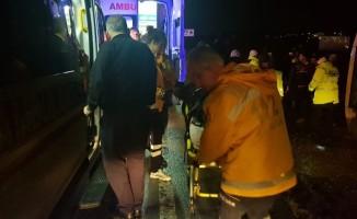 Yalova'da yolcu otobüsü devrildi:11 yaralı