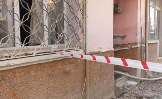 102 yaşındaki yaşlı kadın evde çıkan yangında mahsur kaldı