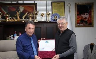 12 Yıldız ödülü Saka'ya teslim edildi
