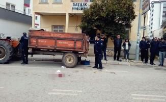 Adana'da motosiklet kamyonete çarptı: 1 yaralı