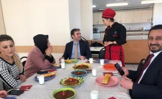 AK Parti Avcılar Belediye Başkan Adayı Ulusoy'dan İSMEK kursiyerlerine ziyaret