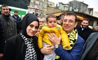 AK Parti standından İmamoğlu'na lokum ikramı