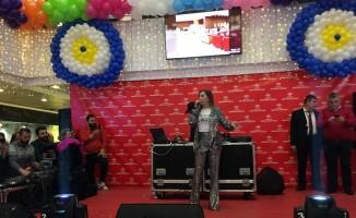 Akvaryum Mobilyacılar Çarşısı 2'nci yılını Merve Özbey ile kutladı