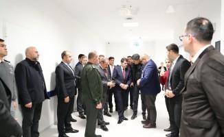 Ankara Valisi Şahin'den yaralı askerlere hastane ziyareti