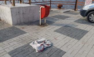 Balıkçı kendini bıçakladı