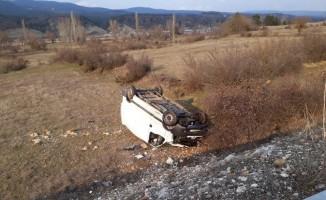 Bariyerlere çarpan araç tarlaya uçtu: 1 yaralı