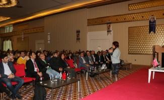 """""""Başarılı Gelecek İçin Doğru Okul Seçimi"""" seminerine Diyarbakırlılardan yoğun ilgi"""