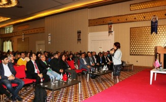 Başarılı gelecek için doğru okul semineri