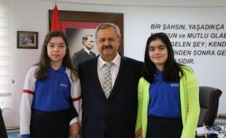 Başkan Uysal'dan öğrencilere belediyecilik dersi