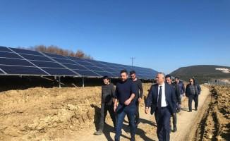 Başkan Yaman, güneş tarlası projesini yerinde inceledi